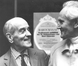 Wieland Herzfelde und Kurt Schwaen bei der Eröffnung einer Dokumentarausstellung am 15.Juni 1984 anläßlich des 75. Geburtstages von Kurt Schwaen Foto: Christian Kraushaar