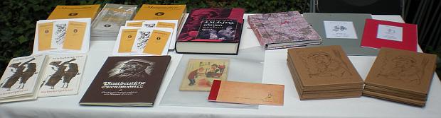 Einige Bücher und die DVD.